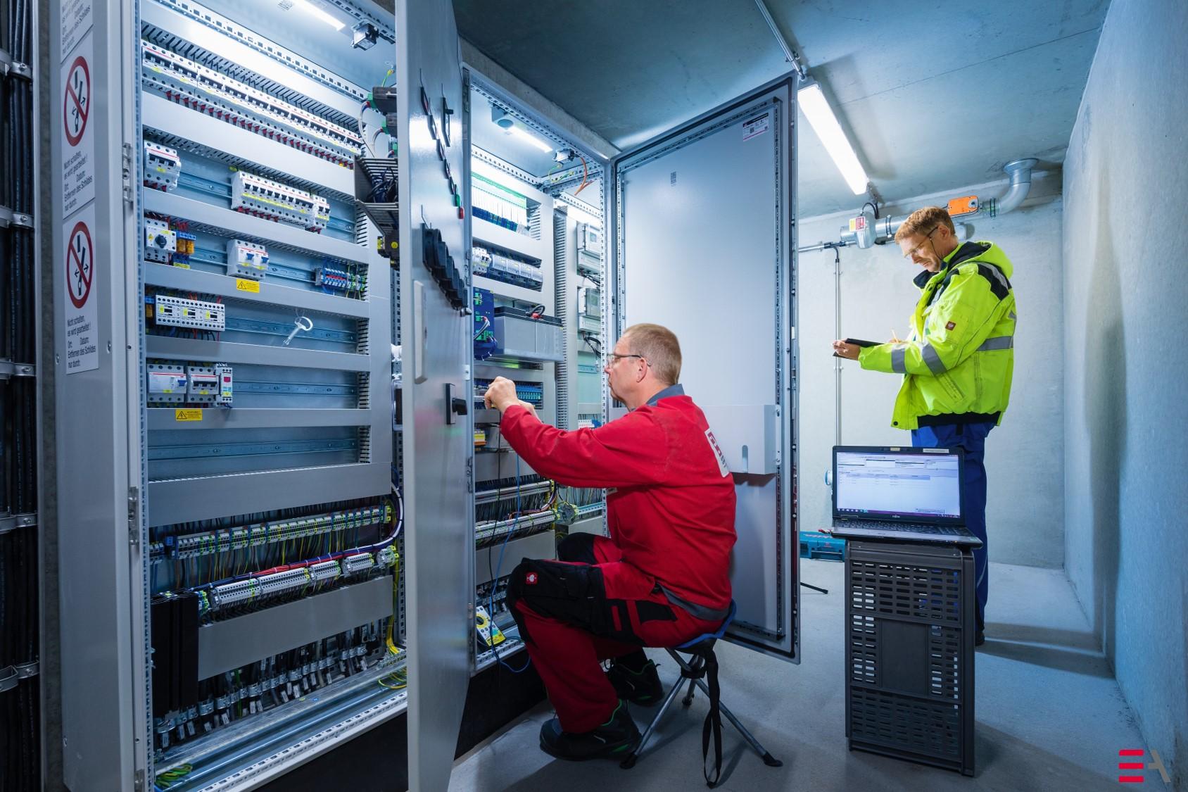 Equipmentmontagen, Kalibrierung, Funktionsprüfungen, Loop-Check